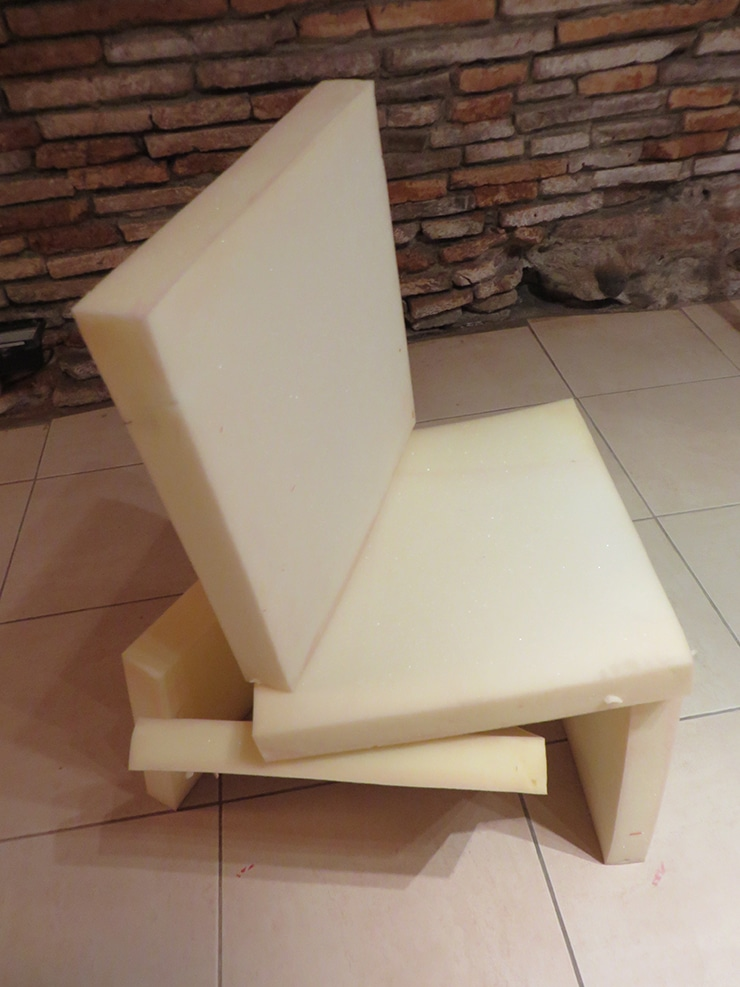 Exposition La chaise à la galerie Rhema, isdaT, 2015, photo Raphaël Larre