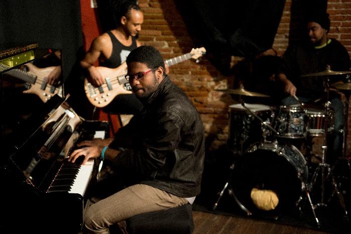 Concert Jazz et Musiques Actuelles Amplifiées, Cave Poésie, isdaT
