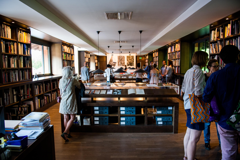 Vernissage de l'exposition LabBooks à la Médiathèque des Abattoirs, mai 2017 © Franck Alix