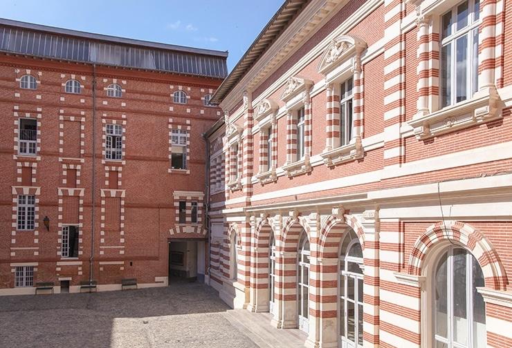 isdaT site Daurade, cour d'Honneur