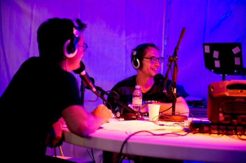 Alain Bublex et *DUUU Radio, <i>La Radio *DUUU bout de la nuit</i>, cour d'honneur de l'isdaT beaux-arts, le Printemps de septembre 2018 © Franck Alix