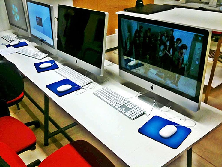 Salle informatique, isdaT Crédit photo © Giacomo Gannini