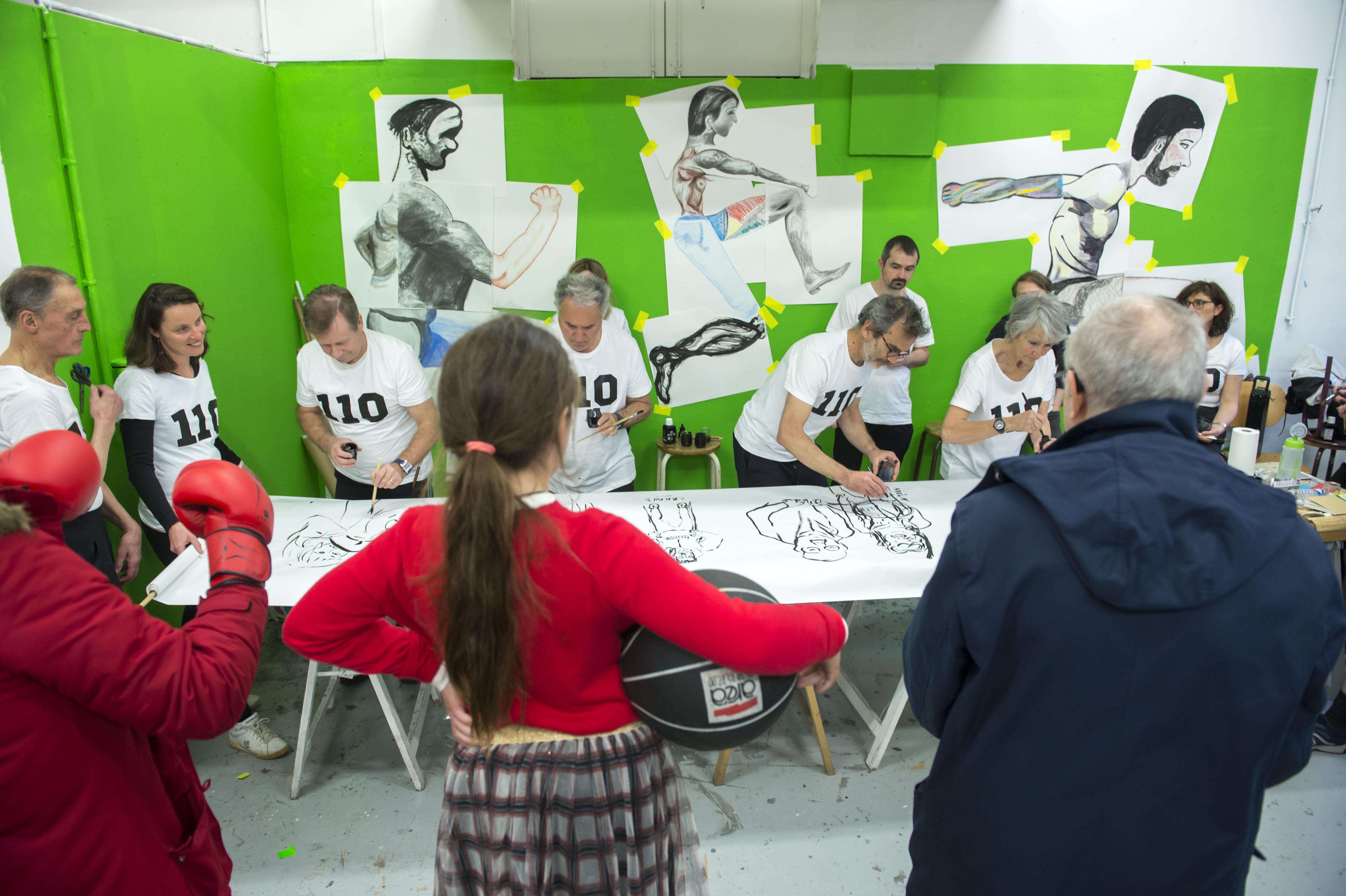<i>Draw Team</i>, performance des cours adultes, JPO de l'isdaT, février 2020. Photographie © Franck Alix